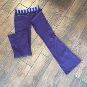 Lululemon Flare Yoga Pant 6, Eggplant, deep purple